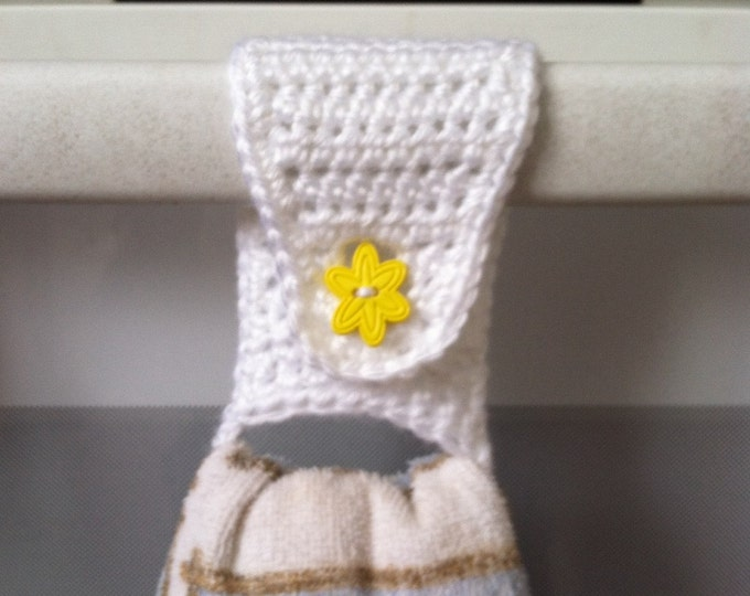 Towel Holder / Towel Ring /Towel Topper / Kitchen Towel Holder / Crochet Towel Holder