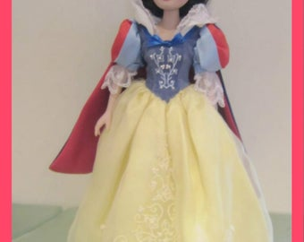 Toys- Disney Brass Key Snow White New in the original box with reduced shipping
