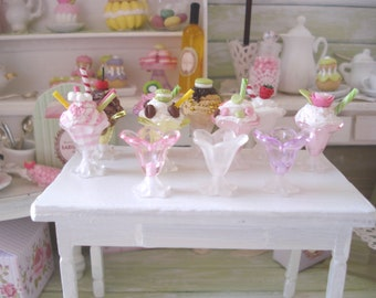 SET of 3 transparent windows miniature dessert bowls