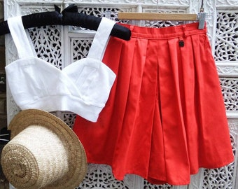 Fab 80s shorts / skorts, size 8.