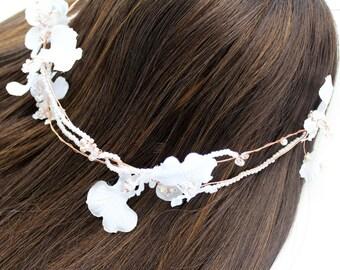 Floral Wedding Headdress,Wedding Halo, Bridal Headband, Tropical Headdress, Wedding Headdress, Wedding Crown, Boho Halo, Floral Crown, Tiara