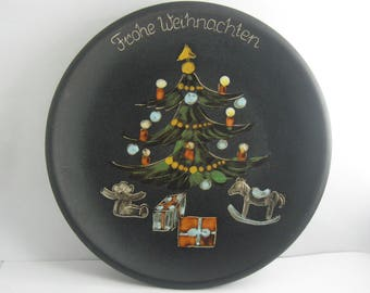 "Beautiful, age old ceramic (wall) plate ""Merry Christmas"". Diameter about 20 cm. Probably 1960s VINTAGE"