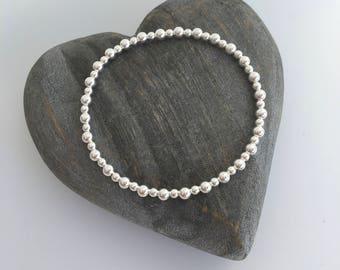 Minimal Sterling silver bead bracelet, silver stretch bracelet, sister gift, daughter gift, birthday gift, Minimalist jewellery, flower girl