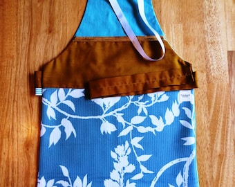 Apron 3-5 years/pattern of Turquoise - turquoise-Golden-Tan - tea time to play Mommy doll