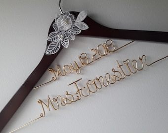 Bridal Hanger with Date, Personalized Custom Bridal Hanger, Brides Hanger, Bride, Name Hanger, Wedding Hanger, Personalized Bridal Gift