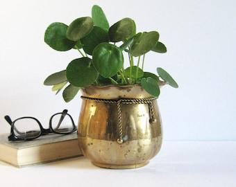 "Vintage Brass Planter w Rope and Tassel - Fluted Rim - 5"" Tall Brass Flower Pot - Succulent Planter - Brass Home Decor - Cactus Garden Pot"