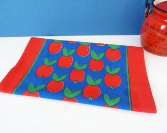 Vintage apple cotton place mat / table runner