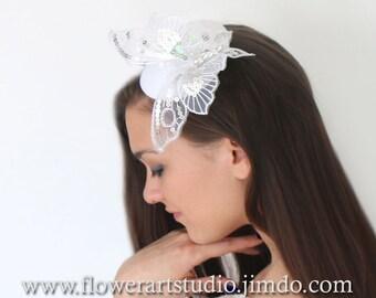 Bridal Headpiece, Wedding Fascinator, White Butterfly headpiece, White Small Hat, Bridal top hat, Retro wedding, Classic White Wedding.