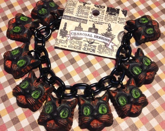 BRACELET - CATS Halloween Charm Bracelet - Novelty Jewelry Costume - Resin Plastic Fakelite - Retro Vintage Primitive