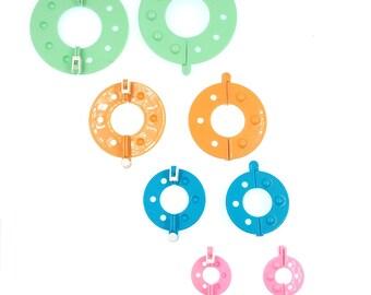 4-Size Pom-Pom Pompom Maker Fluff Ball Weaver DIY Knitting Craft Tool Kit - Random Color(CTJZ21-CHKN-WD)