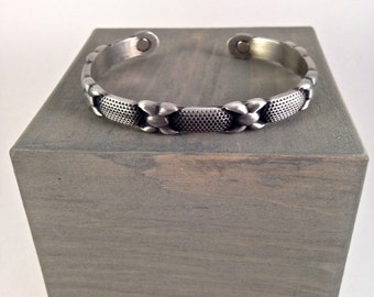 Decorative Design Pewter Cuff with Magnets