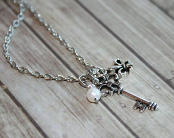 Fleur de lis necklace, Fleur de lis key necklace, Delicate necklace, Bridesmaid jewelry, Charm necklace,Teen jewelry