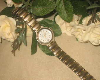 SERGIO VALENTE Ladies Watch, Battery Operated, , Two Tone, Great Vintage Condition, Heavy Bracelet Style, NEW Basttery, Ladies Analog Watch