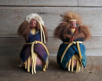 vintage Native American collectible / native figurines / trading post souvenir