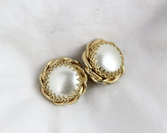 70's Gold Perl Accented Clip On Earrings