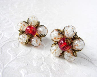 Vintage Cluster Earrings Glass Beaded Clip Back White Gold Swirl Cherry Tomato Red Lampwork Bead Gold Formal Cocktail Prom Costume Jewelry