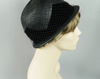 1960s Vintage Hat Black Straw and Velvet Brimmed Cloche Sz 22