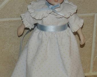 1983 Avon Porcelain 7 1/2 inch Victorian Style Doll