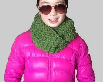 Green Knit Scarf, Green Infinity Scarf, Green with Sequins Knit Scarf, Green Knit Cowl, Green Circle Scarf, Green Scarf, Green Knitted Scarf