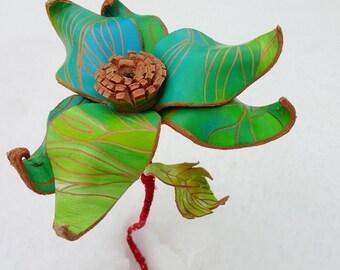 Leather Flowers in Perpetual Bloom. Green.