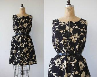 vintage 1960s dress / 60s black dress / 60s house dress / 60s zip front dress / sleeveless dress / 60s black floral sundress / medium med m