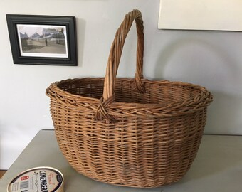 Vintage Wicker Shopping Basket, Old Shopping Basket, Home Decor, Rustic Country Kitchen, Vintage Decor, Vintage Prop