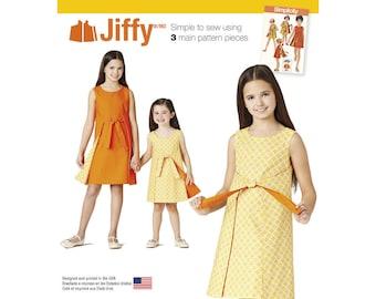 Simplicity Pattern 8104 Child's and Girls' Jiffy Reversible Wrap Dress