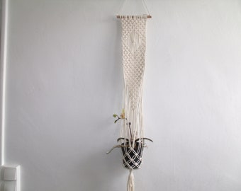 Plants off-white cotton macrame wall hanging
