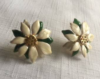 Flower Earring,Flower 70s Earring,Enamel Flower Earring,White Flower Earring,White Enamel Earring,70s Flower Earring,Flower Power Earring