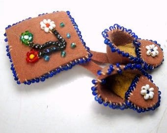 Pueblo Handmade 1950s Suede Brooch, Cowgirl, Southwest Mid Century Beaded Moccasins Dangle pin