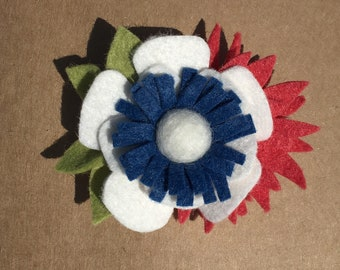 Red, white, and blue felt flower hair clip// toddler hair clip// adult hair clip