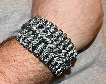 Bane's Cuff Woven Paracord Bracelet, Paracord gear, Tactical Bracelet, Survival Bracelet, Camping Bracelet, Paracord Accessories, Banes cuff