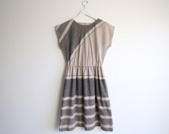 VINTAGE Kleid der 1980er Jahre gestreift schwarz natürliche Gürtelreifen Medium