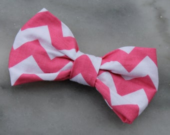 Bow tie in pink and white Chevron - Clip on, pre-tied with strap or self tying