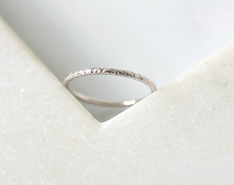 Sparkle Ring • 9K White, Rose or Yellow Gold