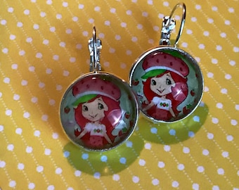 Strawberry Shortcake glass cabochon earrings - 16mm