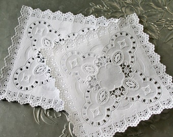 """Square 5"""" French Lace Paper Doilies"""