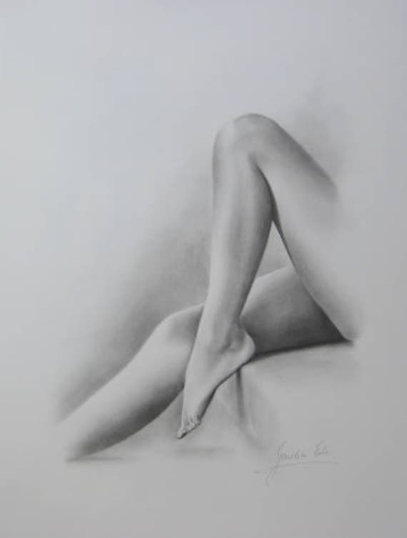 Pencil drawings of women wearing bikini