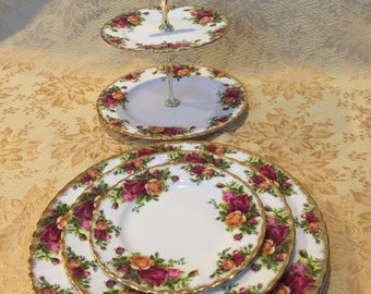 Royal Albert Old Country Roses Tiered Cake Stand and 3 Plates