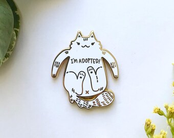 White Cat Enamel Pin / Pocket Pin / Lapel Pin