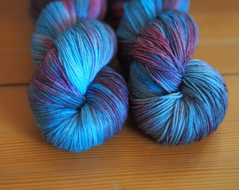 Janthina Purple Blue Teal Brown Speckled Hand Dyed Yarn // Merino Nylon Sock Fingering Weight Yarn // Superwash Sock Skein