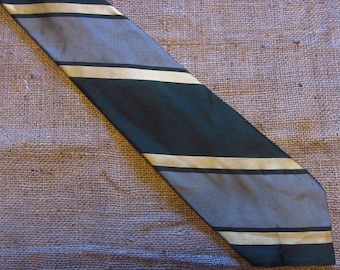 Vintage Diagonal Stripe Tie Green Yellow Carson Pirie Scott Necktie