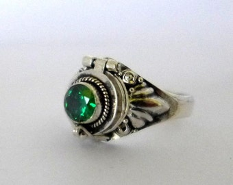 Small Poison Ring Bali Sterling Silver Locket Ring with Green Quartz (sub for emerald) May birthstone AR11