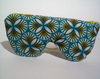Rosette pattern fleece-lined glasses case / sunglasses case