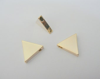 Gold tarnish resistant Triangle Charms, triangle Bead, connectors, pendants, 2 pc, K815794