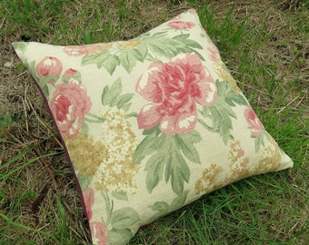 A  cushion cover with a vintage rose design.  Made to fit a 22 inch cushion pad.  20.5 inches x 20.5 inches.  (52cm x 52cm)  Pillow cover.