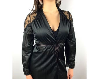1950's black lace robe by PARAMOUNT NEW YORK