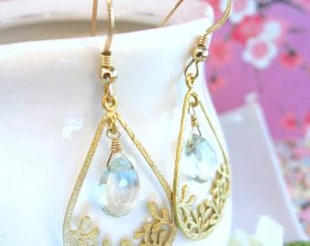 Green amethyst wildflower tear drop earrings, cottage chic floral wedding tear drop green amethyst earrings