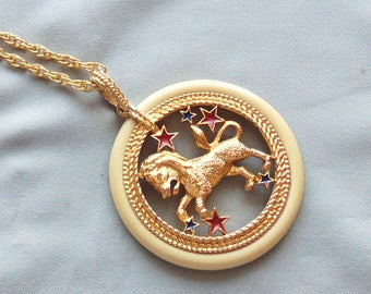 Vintage Chinese Zodiac Horse Lucite Pendant Necklace