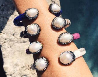 Crystaldust Snake and Pearl bangle
